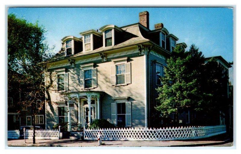 CAMBRIDGE, MA Massachusetts ~ Roadside The BRATTLE INN  c1950s Postcard