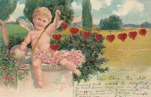 VALENTINE´S DAY: 00-10s; Cupid with a string of hearts