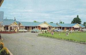 Exterior,  Thunderbird Motel,  Duncan,  V.I.,  B.C.,  Canada,  40-60s