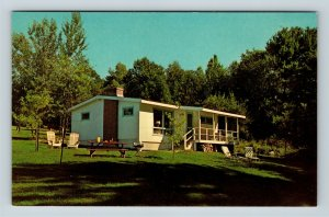 Wolfeboro NH, Piping Rock Lodges, New Hampshire, Chrome Postcard