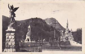 France Lourdes La Basilique St Michel et l'Esplanade 1953 Photo
