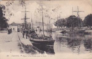 VANNES , France , 00-10s : Depart d'un bateau pour le Golfe