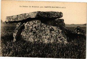 CPA Le Dolmen de Boumiers pres Ste-MAURE (266603)
