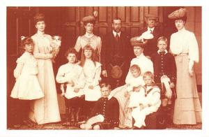 Nostalgia Postcard King George V Queen Mary and Family Reproduction Card NS37