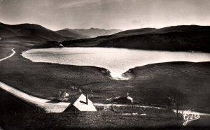 Lac de Guery,l'Auvergne,France BIN