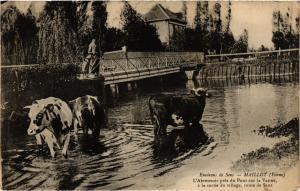 CPA Env. de SENS - Maillot - L'Abreauvoir pres du Pont.. (358461)