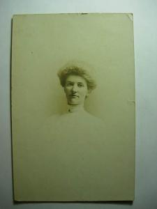 pre-1907 rppc PRETTY LADY PORTRAIT Postcard y8323