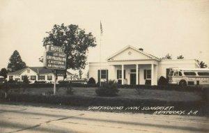 RP: SOMERSET , Kentucky , 1930-40s ; Greyhound Inn