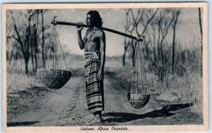 Italian East Africa  COSTUMI AFRICA ORIENTALE Ethnic Nude Woman Baskets Postcard