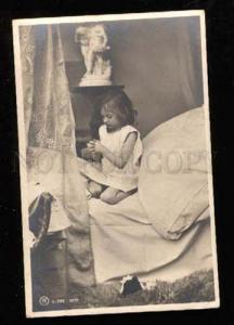 022765 Girl in Nighty on Bed. Pray. Vintage Photo PC