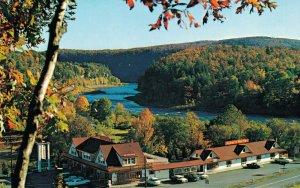 USA Rebers Hotel Motel Restaurant Corner Route 97 Barryville New York 04.30