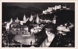 RP; Night View, Die Festspielstadt Salzburg im Scheinweferlicht, Austria,10-20s