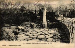 CPA Vienne- La Voie Romaine au Jardin de Ville (668160)