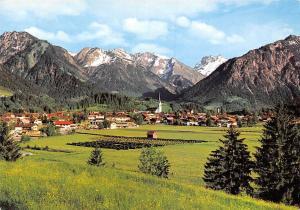 Bergdorf Oberstdorf mit Riffenkopf Kegelkopf Gesamtansicht Berg