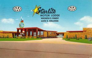 Wichita Kansas Starlite Motor Lodge Street View Vintage Postcard K431456