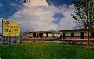 AAA Twin City Motel Cave City Kentucky Vintage Postcard PC328