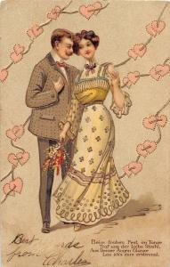 <A7> VALENTINE'S DAY? Love Holiday Postcard c1910 Man Woman Gold-Lined Hearts 39
