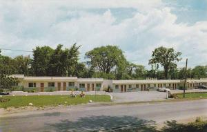 Exterior, The Zephyr Motel, Gananoque, Ontario, Canada, 40-60s