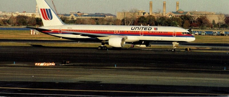 United Air Lines Boeing 757-222 At Washington National