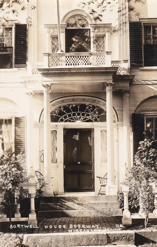 RP: WISCASSET , Maine , 30-40s; Sortwell House Doorway