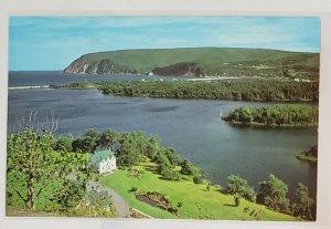 Vintage Postcard:Ingonish-Cape Breton Island. Keltic Lodge.