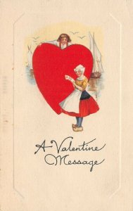 LP40  Valentine's Day Postcard Dutch children big red heart
