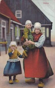 Netherlands Marken Family In Traditional Costume