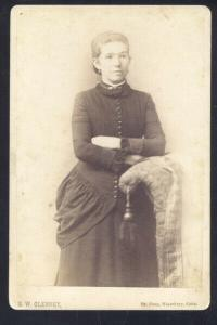 WATERBURY CONNECTICUT CT REAL PHOTO MOUNTED PHOTOGRAPH 1890's PRETTY GIRL