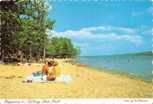 BISMARCK ARKANSAS DeGRAY STATE PARK HAPPINESS ON THE BEACH POSTCARD 1960s