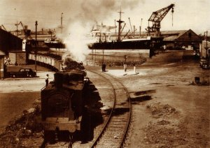 Postcard Train of Imported coal leaving King George V Dock, Shieldhall 54V