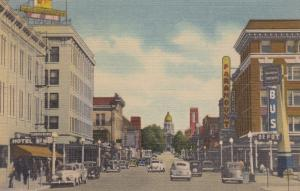CHEYENNE , Wyoming , 1930-40s ; Capitol Avenue, Paramount, Bus Depot