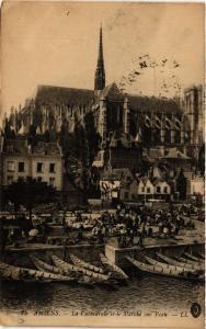CPA AMIENS - La Cathédrale et le Marché sur l'eau (515355)