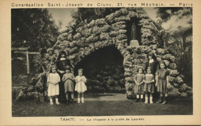 tahiti, Le Chapelet a la Grotte de Lourdes (1920s) Mission Sisters