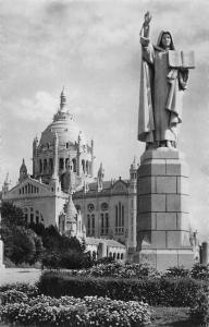 France La Basilique de Lisieux Statue de Ste Therese a l'Entree du Parvis Basili