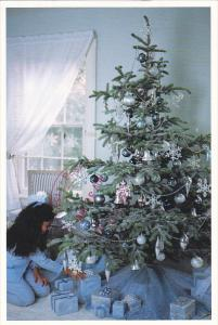 Advertising Martha Stewart First Snowfall Ornaments Garland Tree Skirt and Gi...