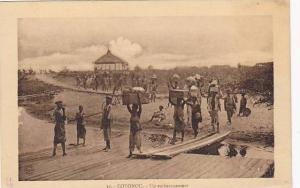 DAHOMEY . 1910s ; COTONOU.-Un Embarquement
