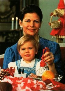 CPM AK Queen Silvia en Prinsessan Madeleine SWEDISH ROYALTY (845213)