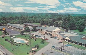 GREENVILLE , South Carolina, 50-60s ; Colonial Court Hotel