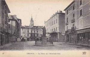 ORANGE, La Place de l'Hotel-de-Ville, Vaucluse, France, 00-10s