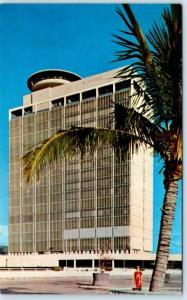 HONOLULU, Hawaii  HI    LA RONDE Revolving Restaurant  ALA MOANA Bldg   Postcard