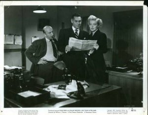 MOVIE STILL / BIG TOWN AFTER DARK - 1947 / Philip Reed & Hillary Brooke