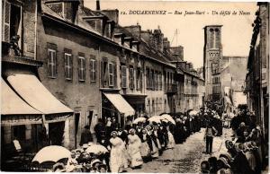 CPA DOUARNENEZ-Rue Jean Bart-Un défilé de Noces (188705)