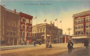 26011 MA, Salem, 1915, Town House Square, People walking by