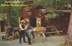 Missouri Branson The BlackSmith In Silver Dollar City