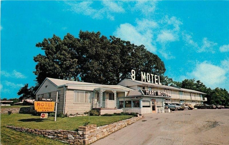 Berea Kentucky~Hart 8 Motel~KY Highway 21~1970s Cars~Postcard