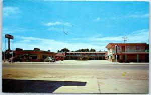 Guymon, Oklahoma Postcard BYERLY'S MOTEL & Restaurant Highway 54 Roadside c1960s