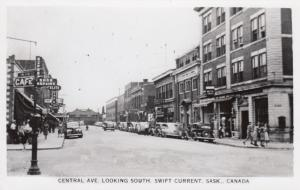 RP: SWIFT CURRENT , Sask. , Canada , 1930-40s ; Central Ave