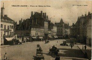 CPA Chalon sur Saone Place de l'Hotel de Ville FRANCE (952657)