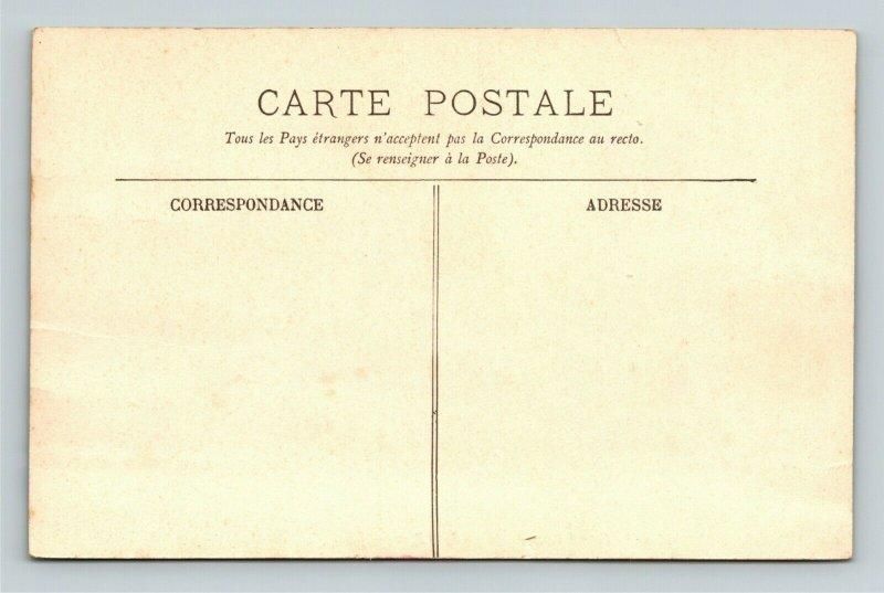 Paris France L'Opera Le Grand Hotel et le Cafe de la Paix Vintage Postcard