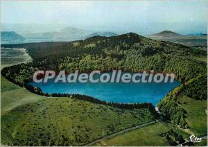 Postcard Modern Approx Besse in Chandesse Lac Pavin (D P) Aerial view